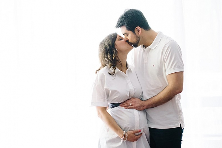 modern maternity photography